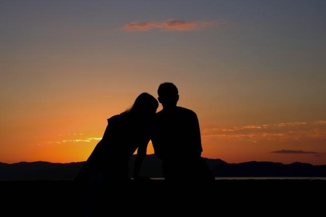 偽ツインレイとの別れの意味を悟る真のツインレイカップル