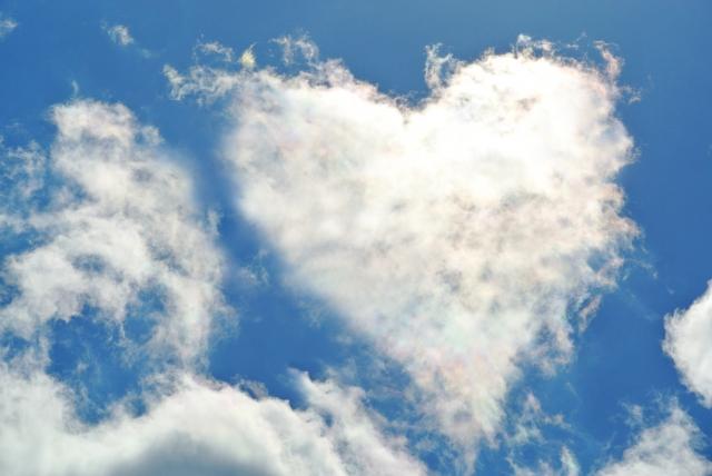 ハートサインの雲